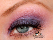 Transform Your Duochrome Eyeshadows with a Colored Base!