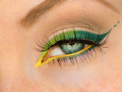 Colorful Ombre Gel Eyeliner Look for Summer