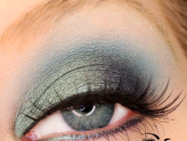MAC Paint Pots: Have Trouble with Blue Eyeshadows?