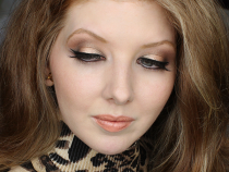 Face of the Day: Black & Gold Dramatic Eyes