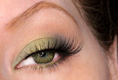 How to Wear Green Eyeshadow | Dark Green Eyes