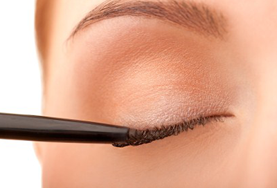 How to Apply Liquid Liner (and wing it!)